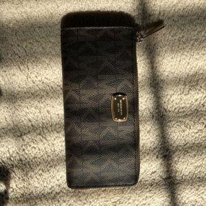 Michael Kors Brown Leather Clutch Zip Wallet